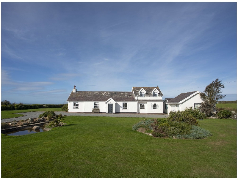 Gardd Llwarch a british holiday cottage for 7 in ,