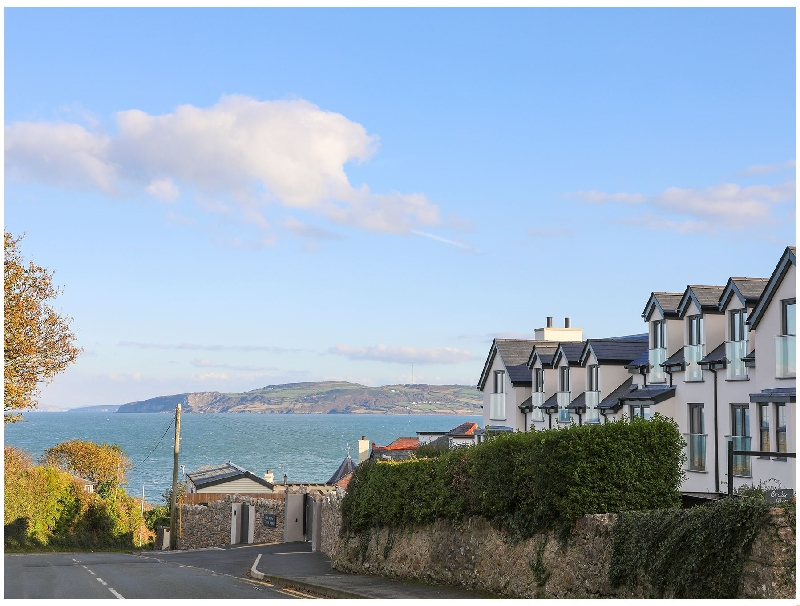 The Hideaway - Benllech a british holiday cottage for 4 in ,