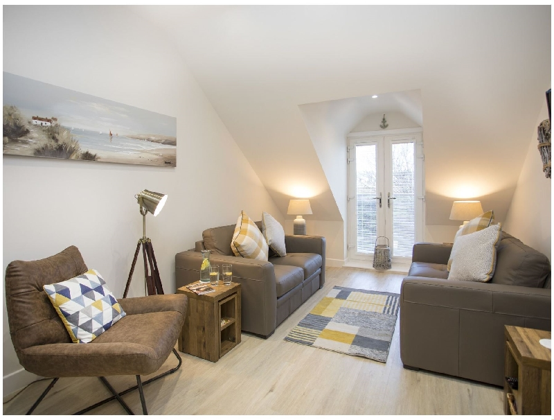 Nine Bay View a british holiday cottage for 4 in ,