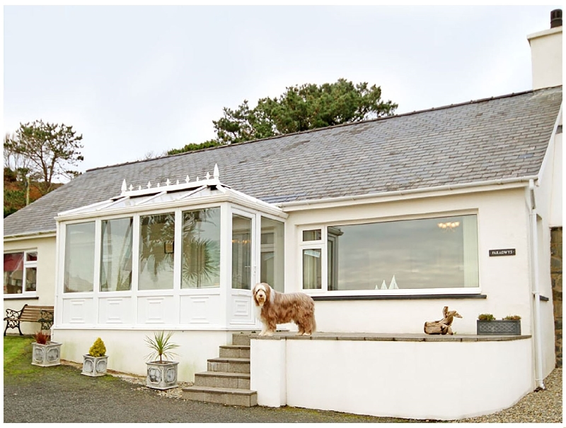 Paradwys a british holiday cottage for 6 in ,