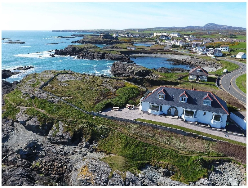 Rockside a british holiday cottage for 12 in ,