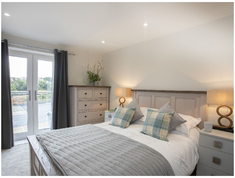 Sea Breeze a british holiday cottage for 2 in ,
