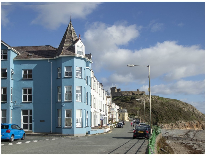The Towers - Ardudwy a british holiday cottage for 2 in ,