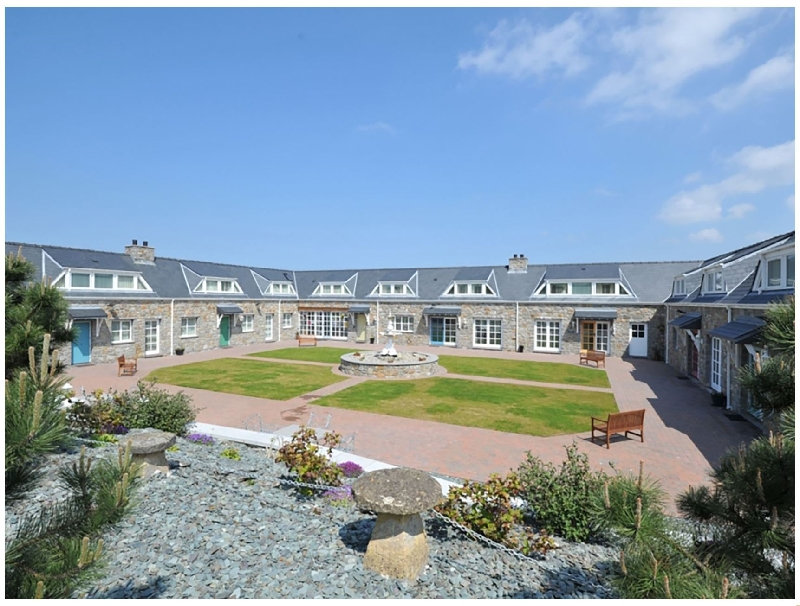 Tyn Towyn - Ty Piws a british holiday cottage for 5 in ,