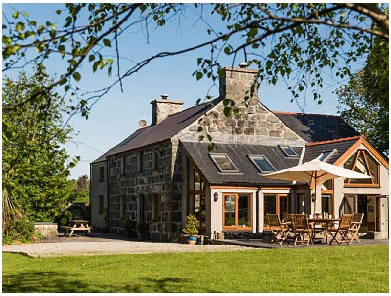 Tyddyn Morthwyl a british holiday cottage for 9 in ,