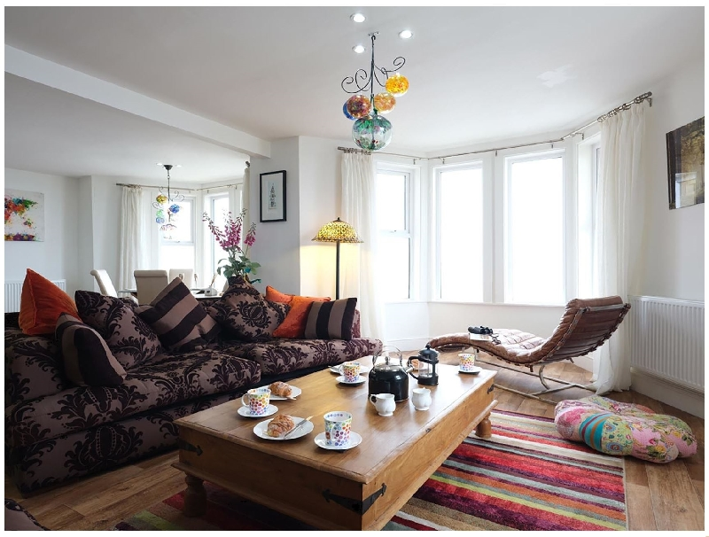 Vista Marina - Penthouse a british holiday cottage for 4 in ,