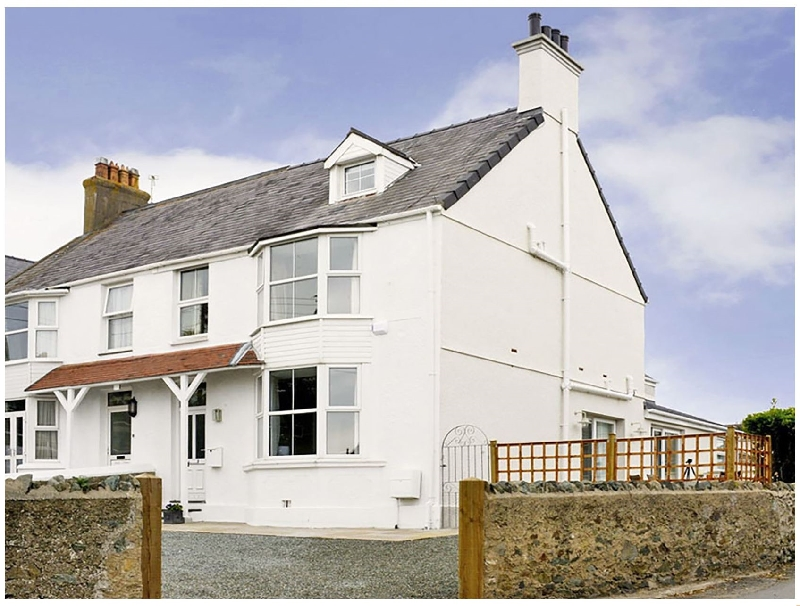 West View a british holiday cottage for 8 in ,