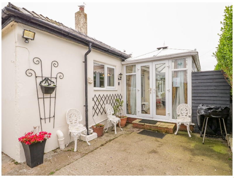 Beach Apartment a british holiday cottage for 2 in ,