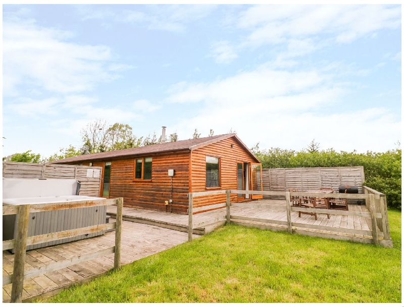 Log Cabin at Furlongs Farm a british holiday cottage for 6 in ,