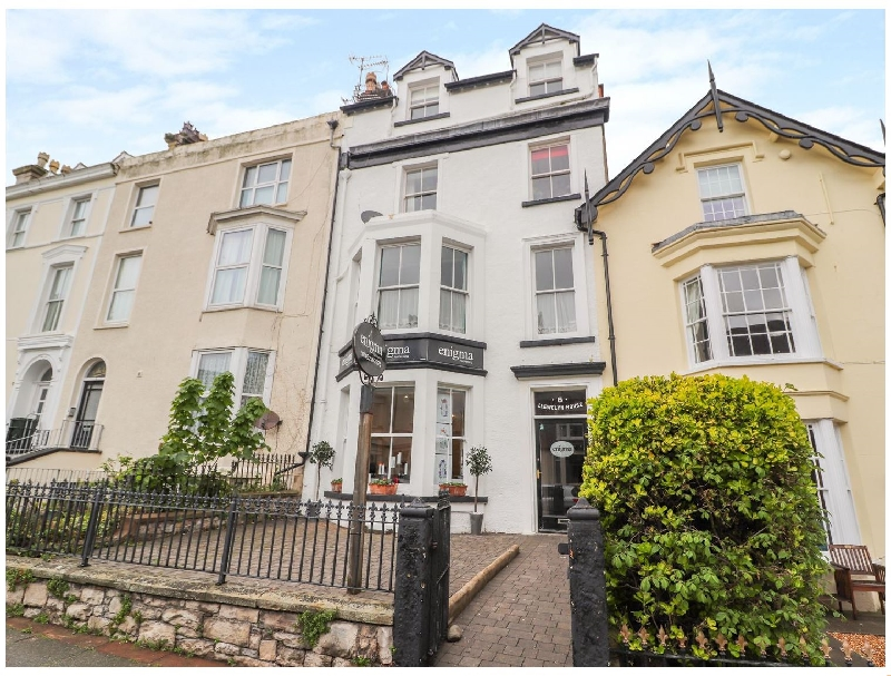 Llewelyn House a british holiday cottage for 6 in ,