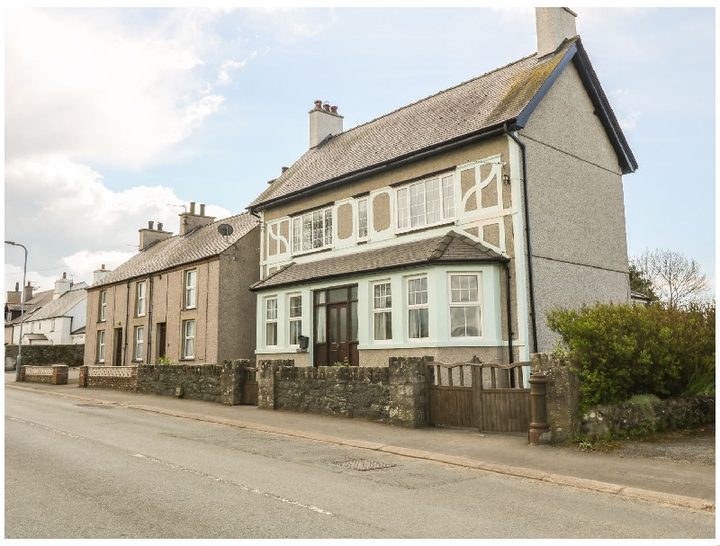 Minffordd a british holiday cottage for 10 in ,