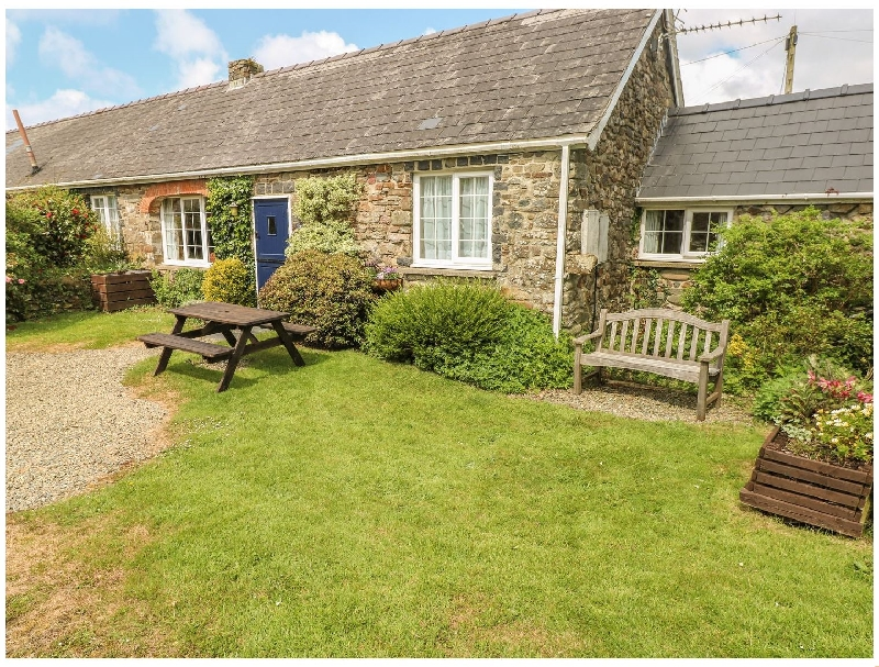 Eynons Cottage a british holiday cottage for 4 in ,