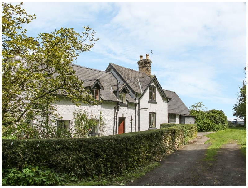 Penymaes a british holiday cottage for 5 in ,