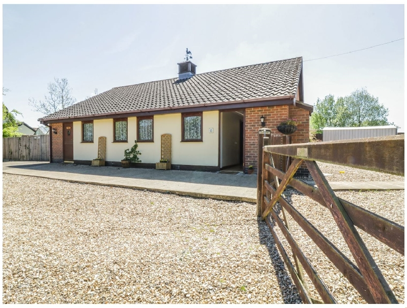 Kingfisher a british holiday cottage for 3 in ,
