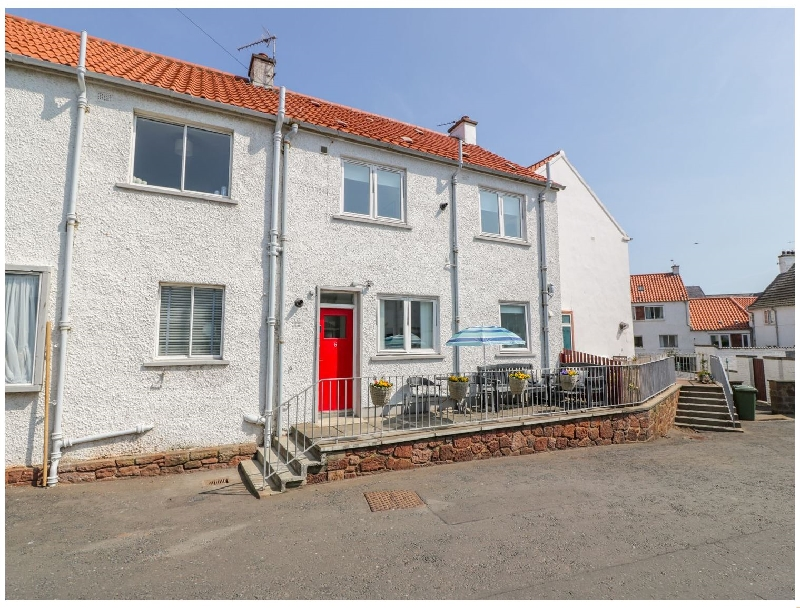 5 Harbour Court a british holiday cottage for 6 in ,