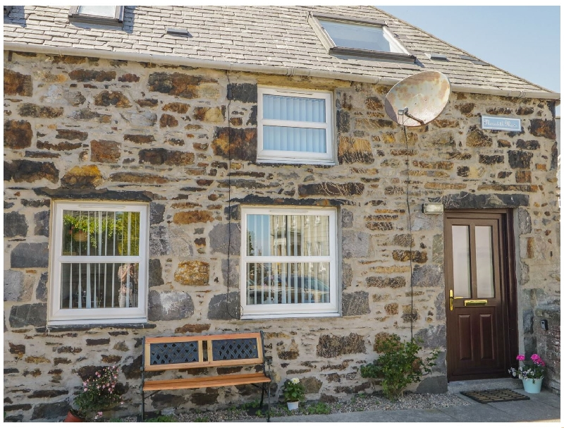 2A Meredith Mews a british holiday cottage for 2 in ,