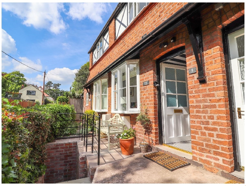 Minnow Cottage a british holiday cottage for 3 in ,