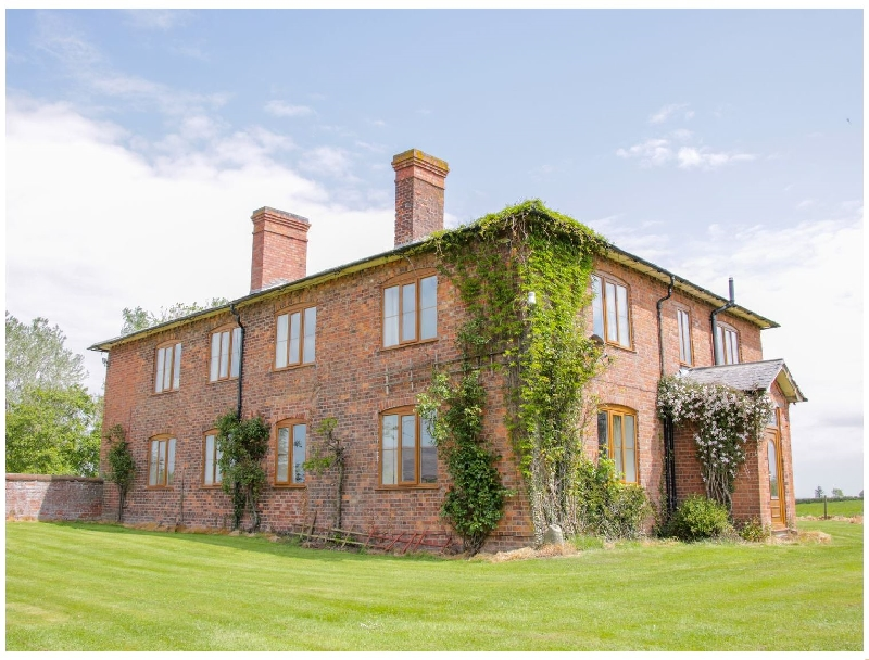 The Manor House at Kenwick Lodge a british holiday cottage for 16 in ,