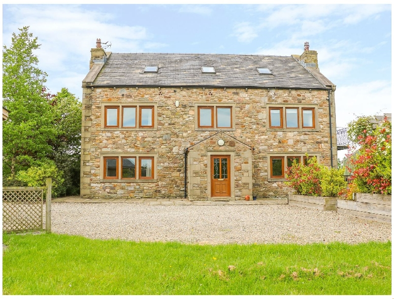 Woodfield Farm a british holiday cottage for 16 in ,