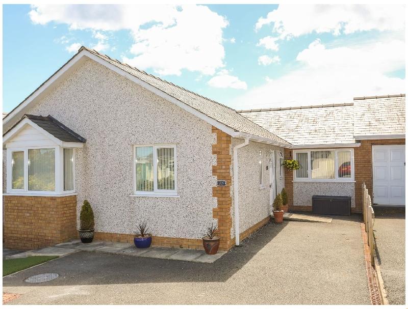 Encillion- 23 Garreglwyd a british holiday cottage for 6 in ,