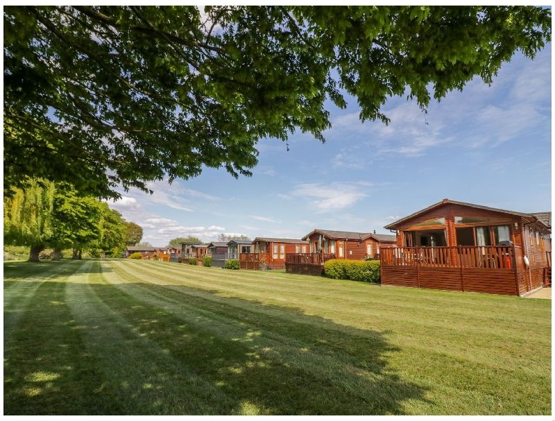 Booster's Lodge a british holiday cottage for 4 in ,