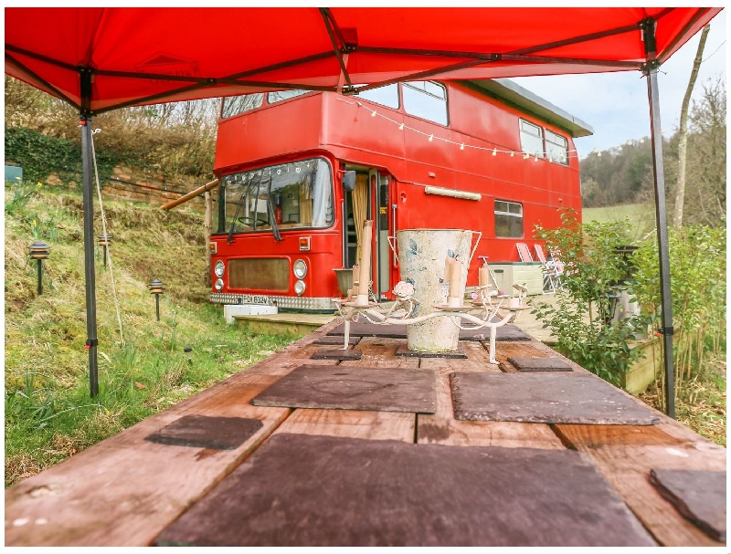 The Red Bus - Winter retreat a british holiday cottage for 2 in ,