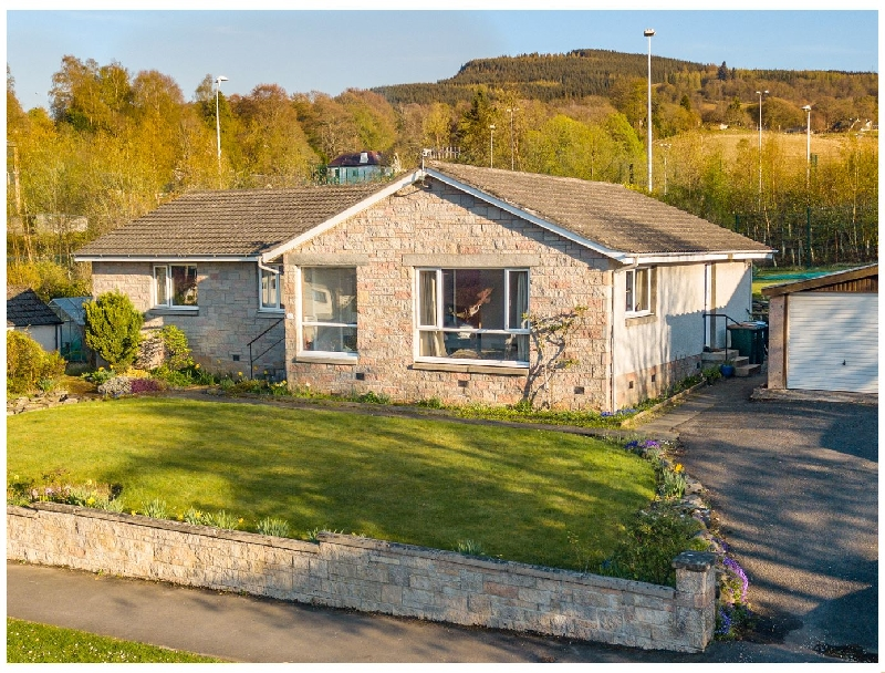 Cromallt a british holiday cottage for 8 in ,
