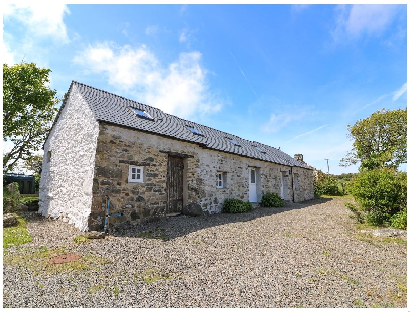 Trefechan Wen Barn a british holiday cottage for 4 in ,