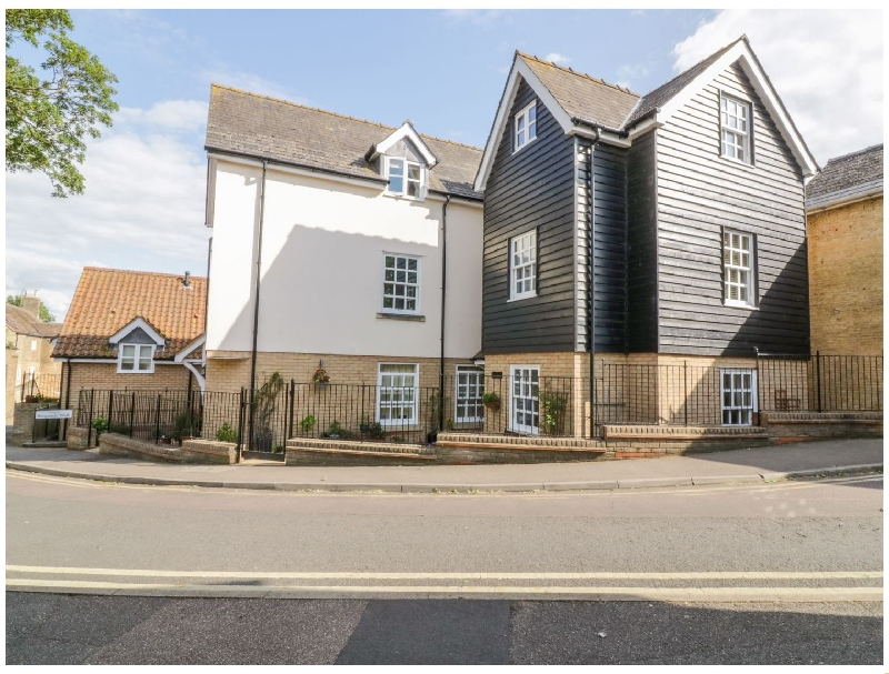 The Hoist a british holiday cottage for 4 in ,