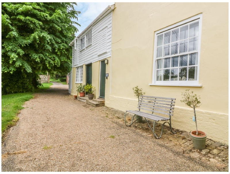The Garden Flat at Holbecks House a british holiday cottage for 4 in ,