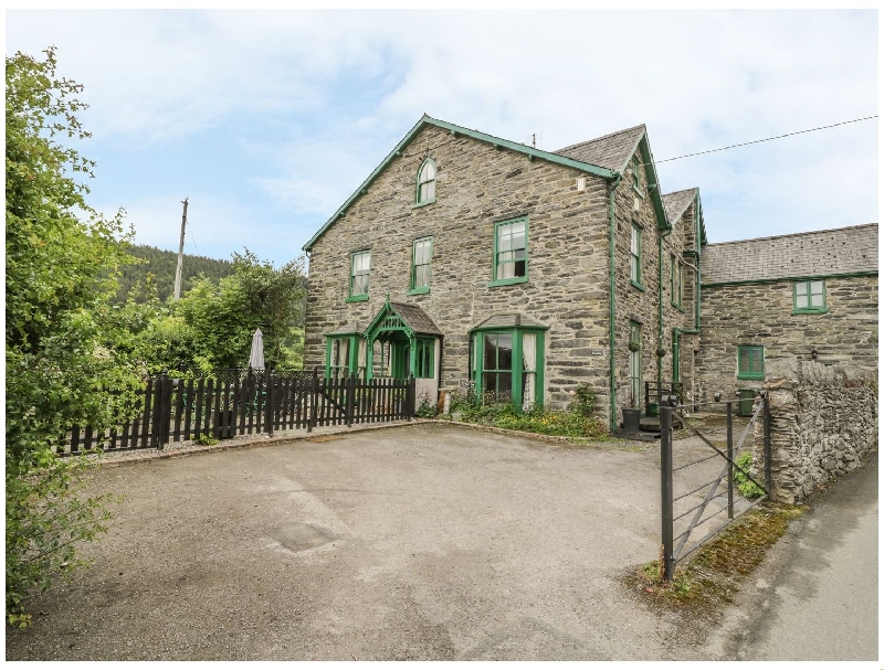 Penrhos a british holiday cottage for 11 in ,