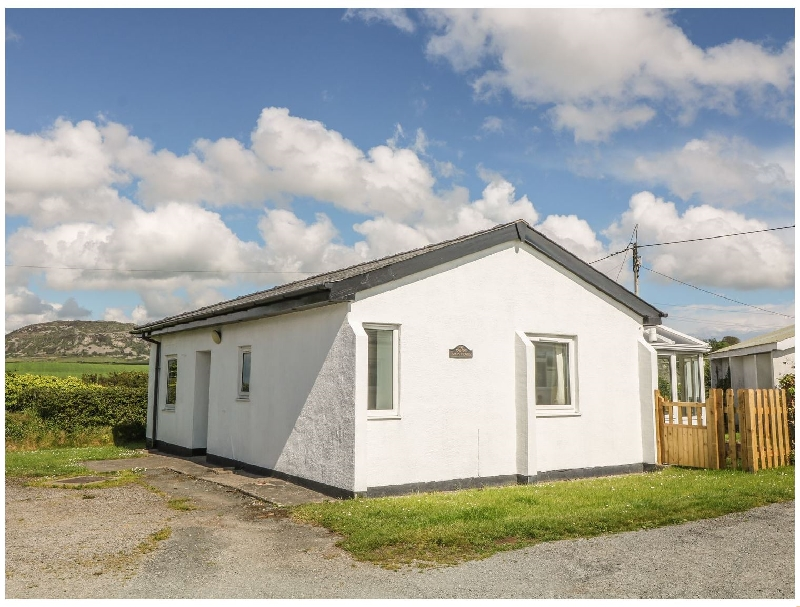 Maes Y Coed a british holiday cottage for 4 in ,