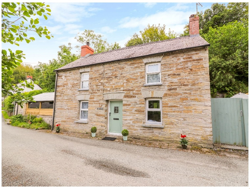 Dan Y Graig a british holiday cottage for 4 in ,