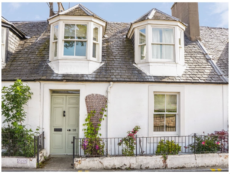 10 Douglas Row a british holiday cottage for 4 in ,