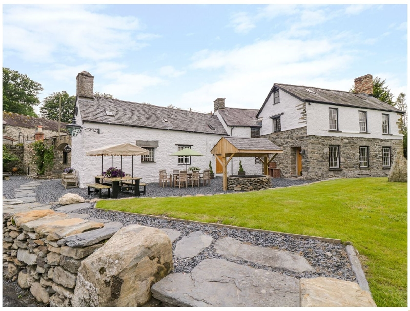 The Druids a british holiday cottage for 22 in ,