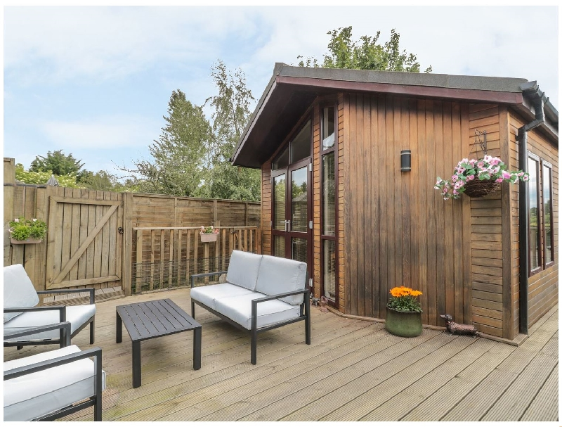 Little Gem Lodge a british holiday cottage for 4 in ,