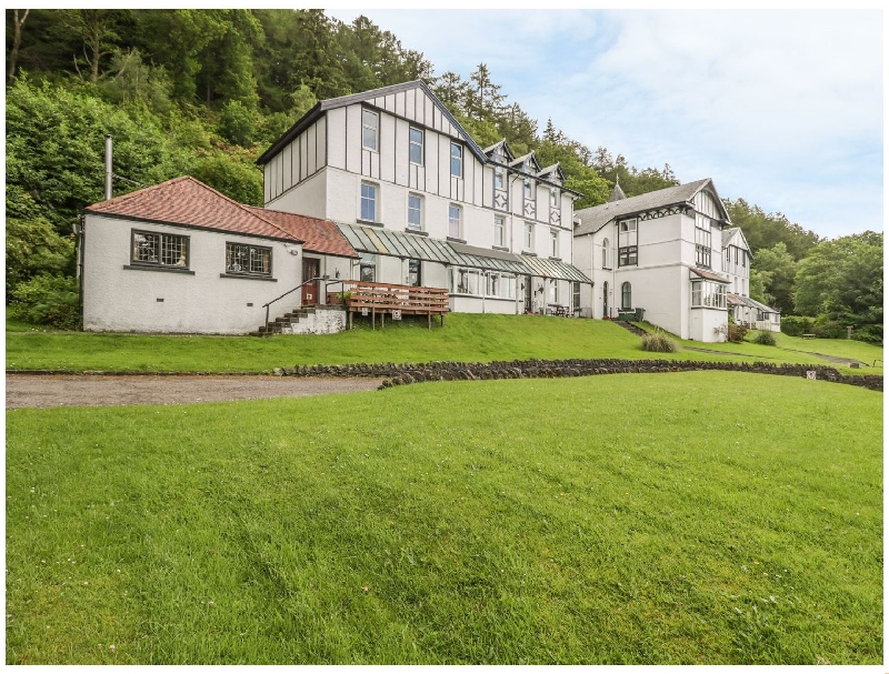 2 Kilmun Court a british holiday cottage for 2 in ,