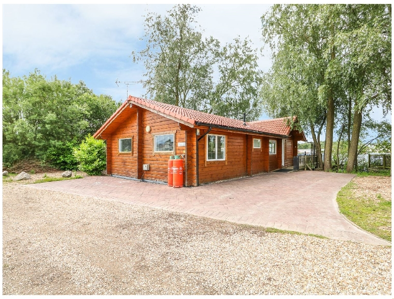 Teal Lodge a british holiday cottage for 8 in ,