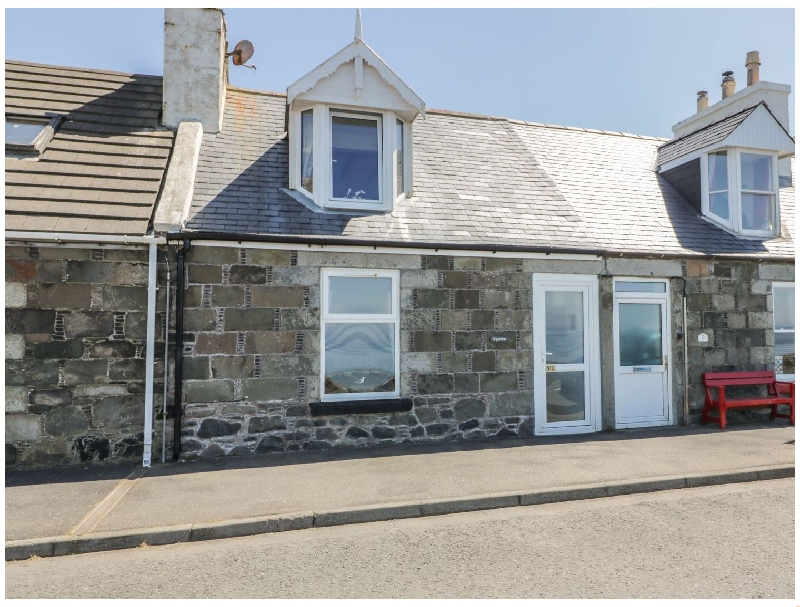 Greystones Holiday Cottage a british holiday cottage for 4 in ,