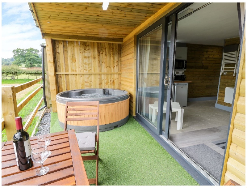 Cilan Lodge a british holiday cottage for 2 in ,