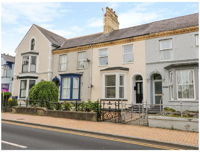 6 Caradog Villas a british holiday cottage for 4 in ,