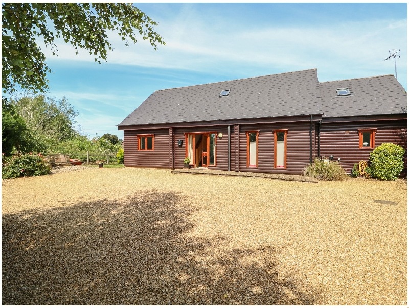 Waters Reach a british holiday cottage for 12 in ,