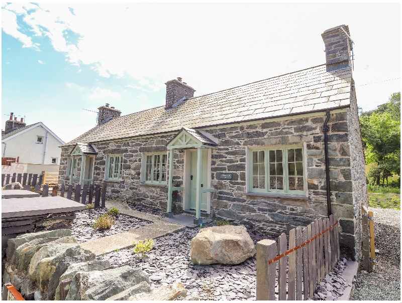 Ffrwdd Galed Isaf a british holiday cottage for 4 in ,