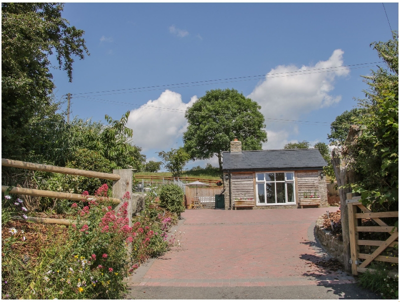 The Boundary Annex a british holiday cottage for 4 in ,