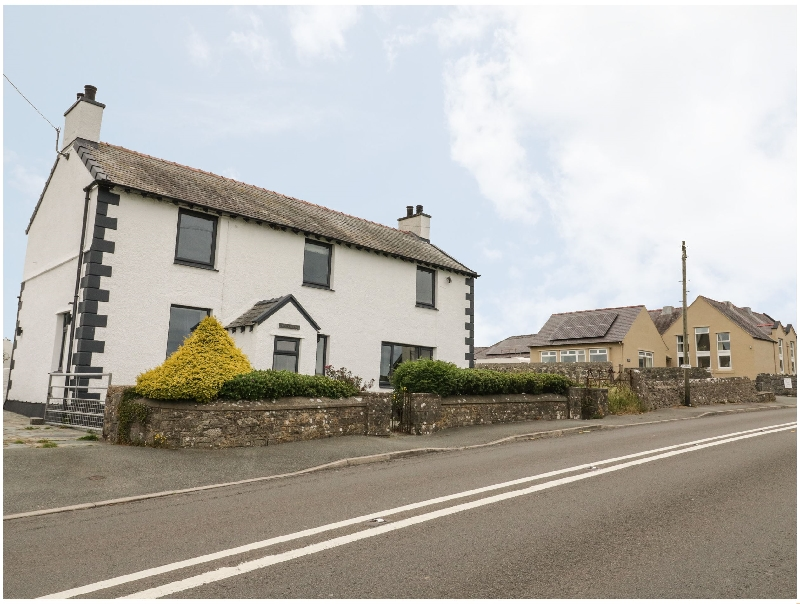 Tyn Y Berth a british holiday cottage for 6 in ,