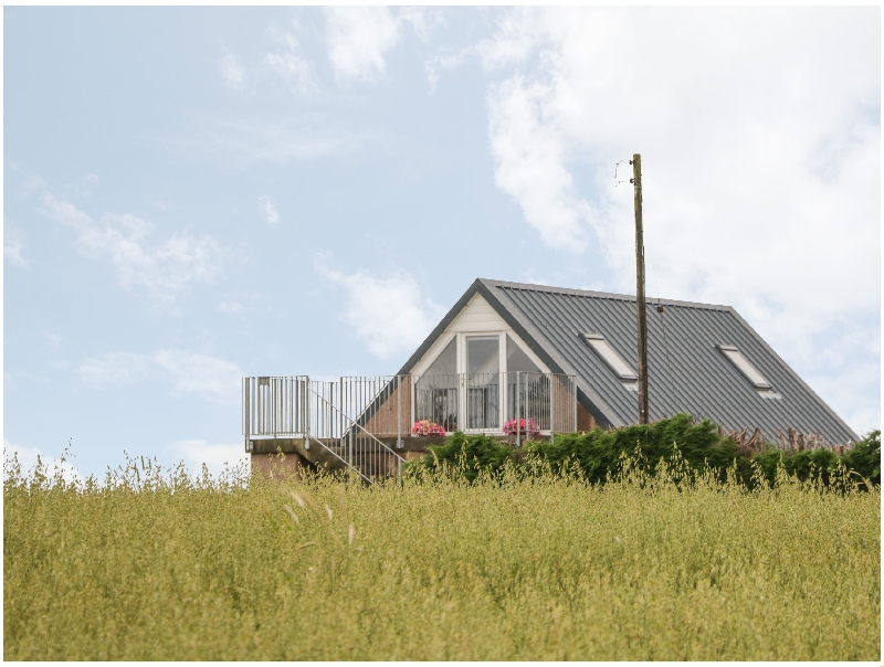 Little Lochlair a british holiday cottage for 2 in ,