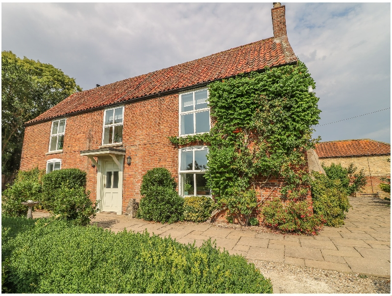Hall Farm a british holiday cottage for 12 in ,
