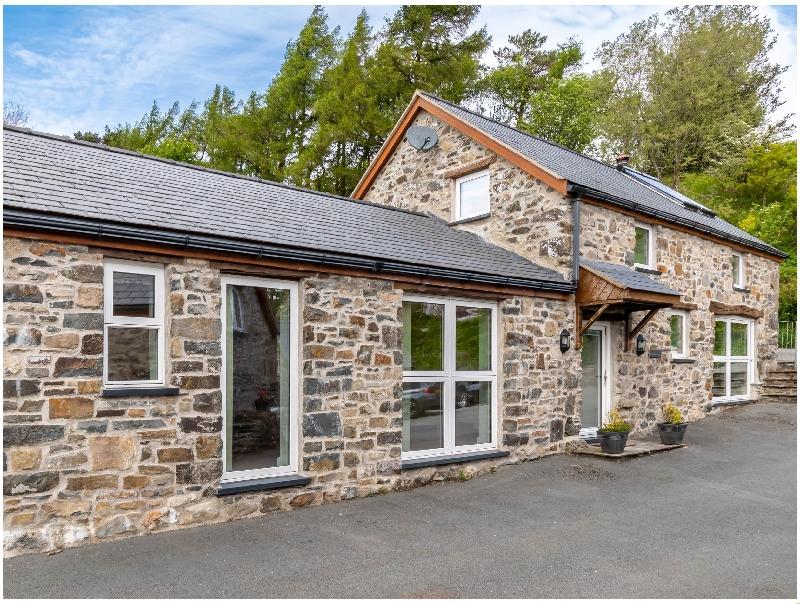 Bwthyn Clychau'r Gog a british holiday cottage for 2 in ,