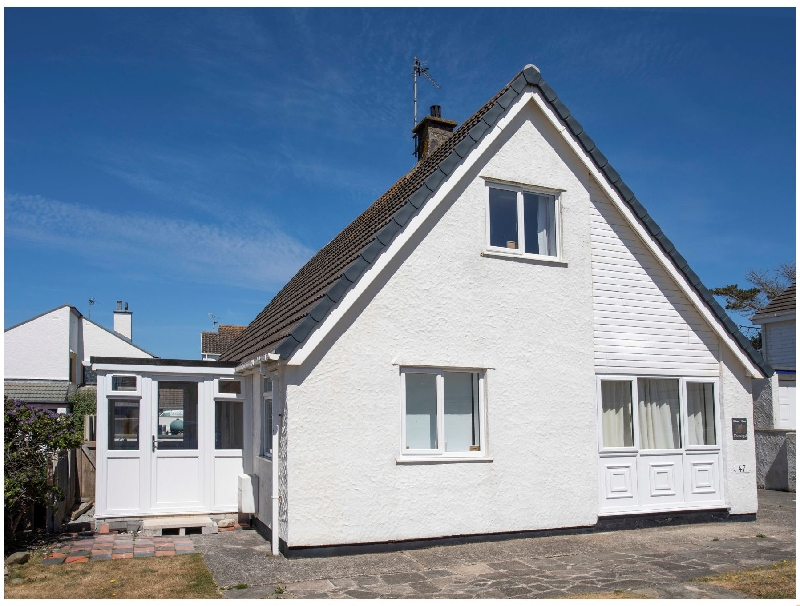 Crows Nest - Rhosneigr a british holiday cottage for 6 in ,