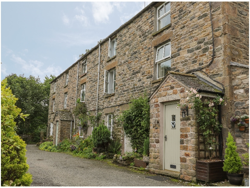 Click here for more about 2 Farfield Row